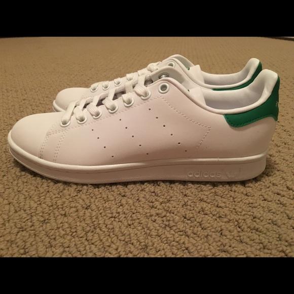 Le adidas stan smith le donne scarpe poshmark originali.